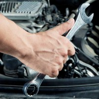 Do-it-yourself-maintenance-tips-TrueCar-pricing-thinkstock139910365