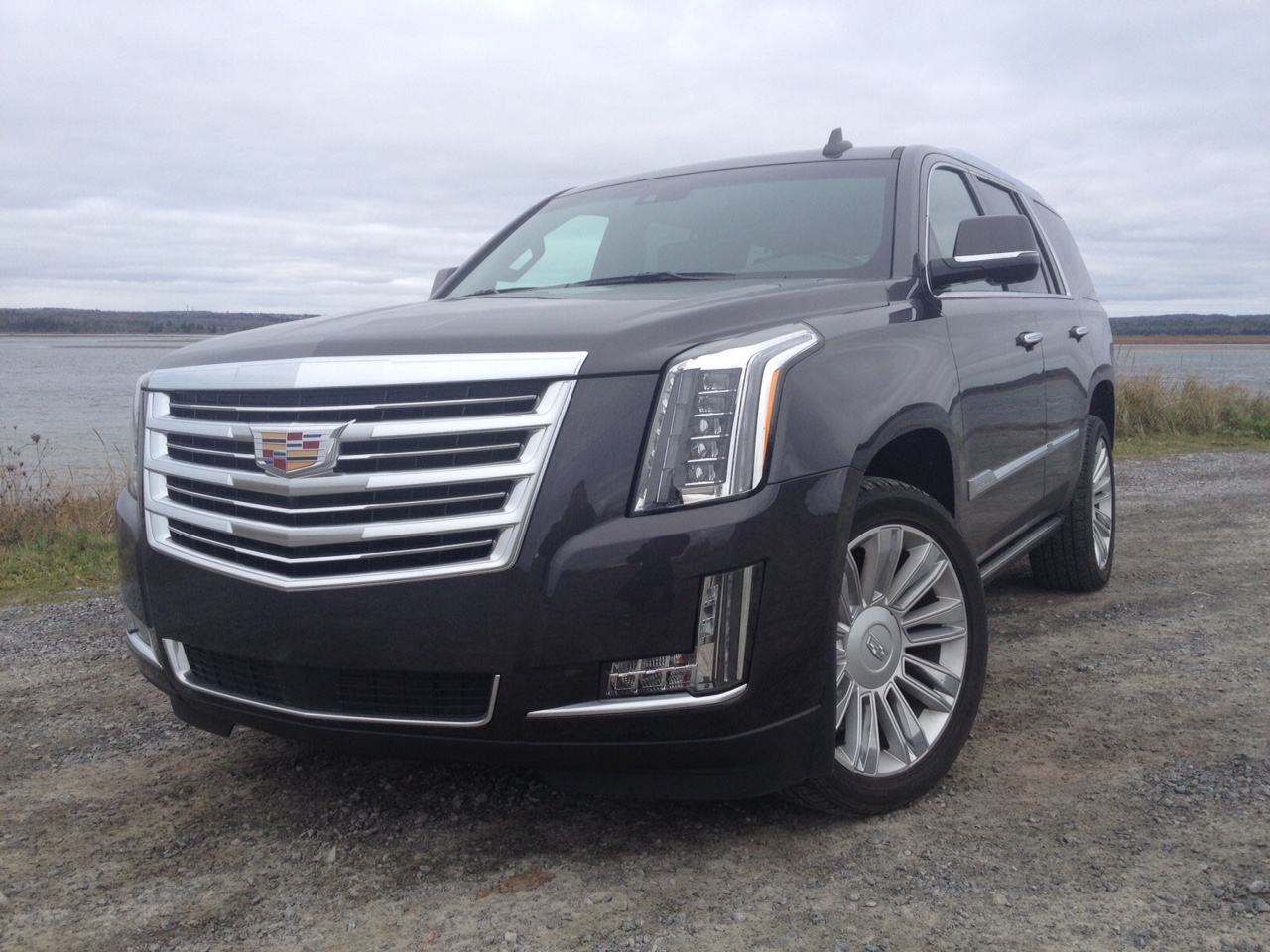 test drive 2016 cadillac escalade platinum. Black Bedroom Furniture Sets. Home Design Ideas