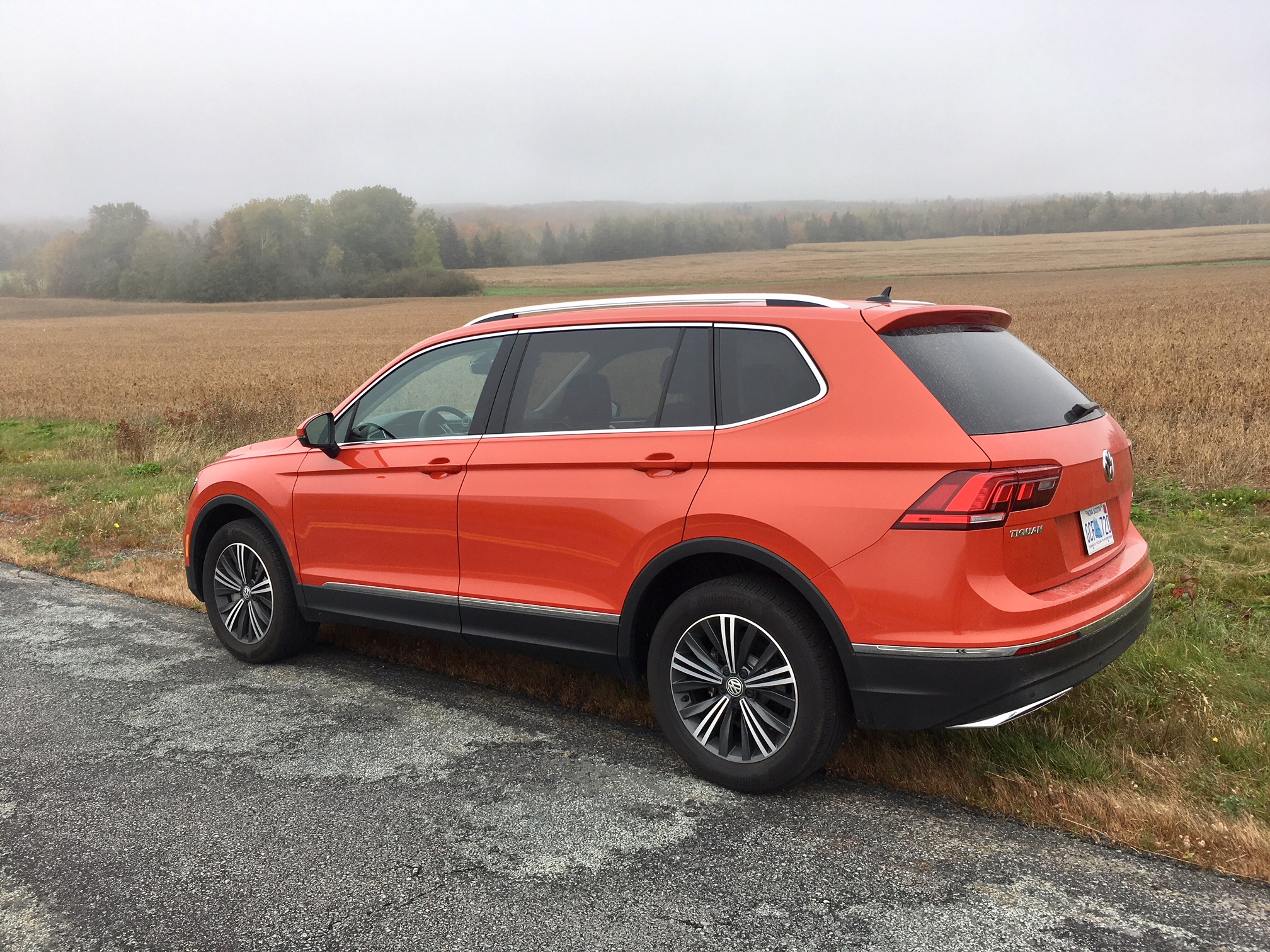 review 2018 volkswagen tiguan highline. Black Bedroom Furniture Sets. Home Design Ideas