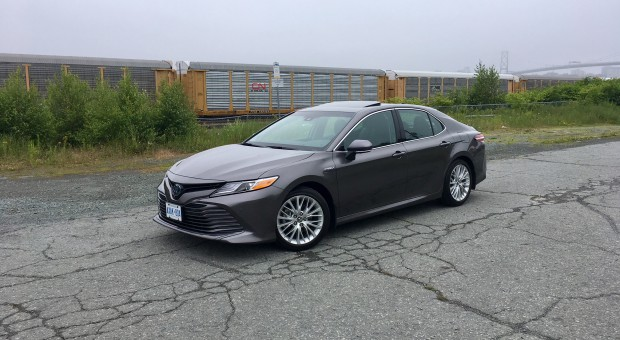Review: 2018 Toyota Camry Hybrid XLE